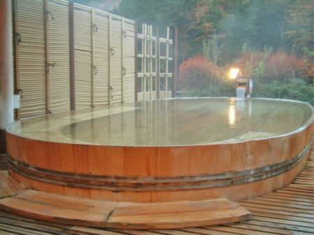 Hot Spring Keiunkan (Natural hot spring water directly from the source)